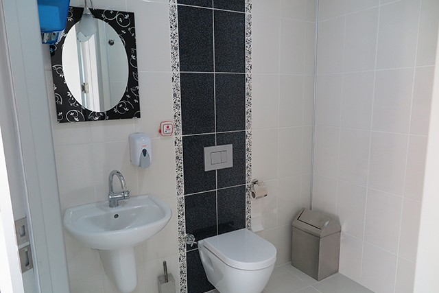 hasta odası tuvaleti